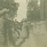 Smith College seniors on Ivy Day, 1905.