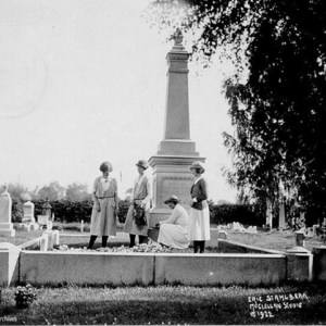 Smith students adorning Sophia Smith's gravesite, Hatfield, 1922.