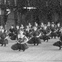 Gym class, Smith College, 1904.