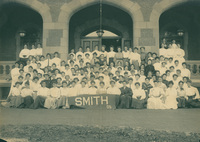 Smith College Class of 1905, senior year group photograph, 1905.