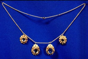 Necklace believed to have belonged to Sophia Smith.