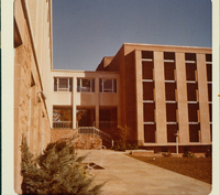James Mandly Hills Wing of Neilson Library showing connector with Wright Hall, 1976.